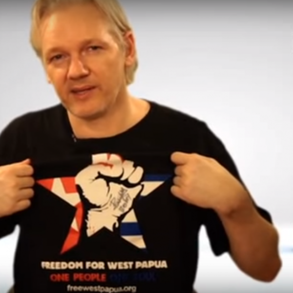 Julian Assange showing his solidairty for West Papua