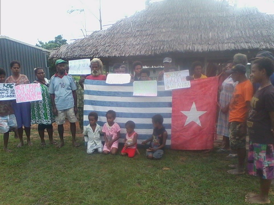 West Papuan refugees in Kiunga calling for full MSG membership for the United Liberation Movement for West Papua (ULMWP). There are over 10,000 West Papuan refugees in PNG